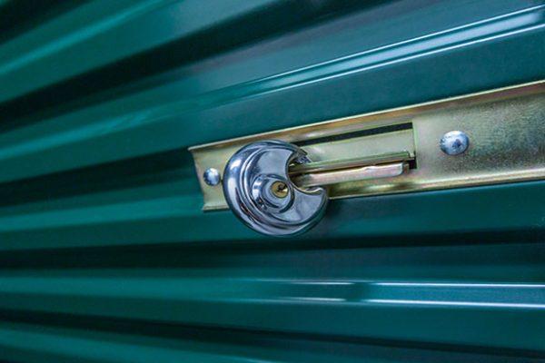 easy-locking-secure-mini-storage-units