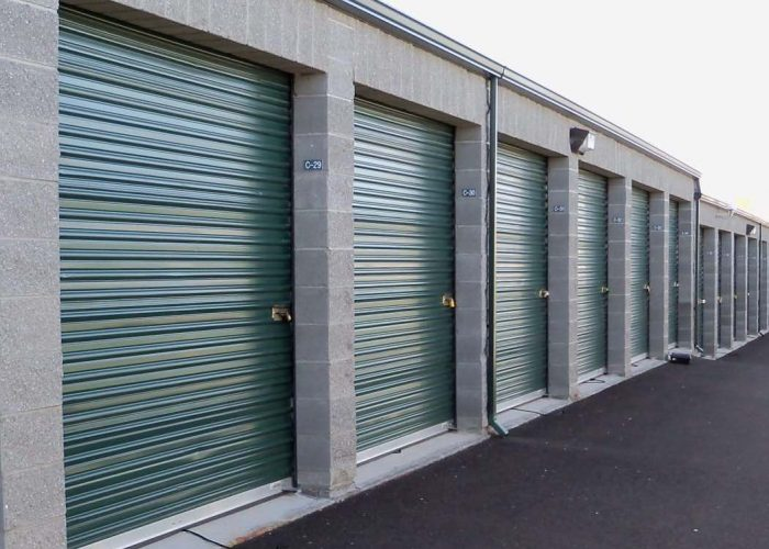mini-self-storage-units-green-needles