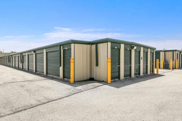 safe-mini-storage-green-needles